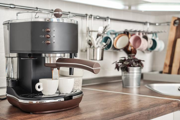 robienie kawy